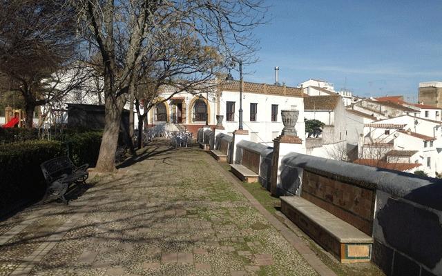 Paseo de los Alcaldes Zufre Casas rurales en la sierra de Huelva 02
