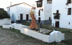 Cabalgata de Reyes Magos. Linares de la Sierra 2013