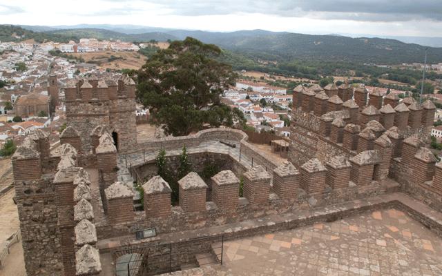 Castillo-Cortegana-Casa-Rural-Sierra-de-Huelva-01