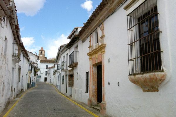 castano-del-robledo-arquitectura-renacimiento-sierra-de-huelva-casa-rural