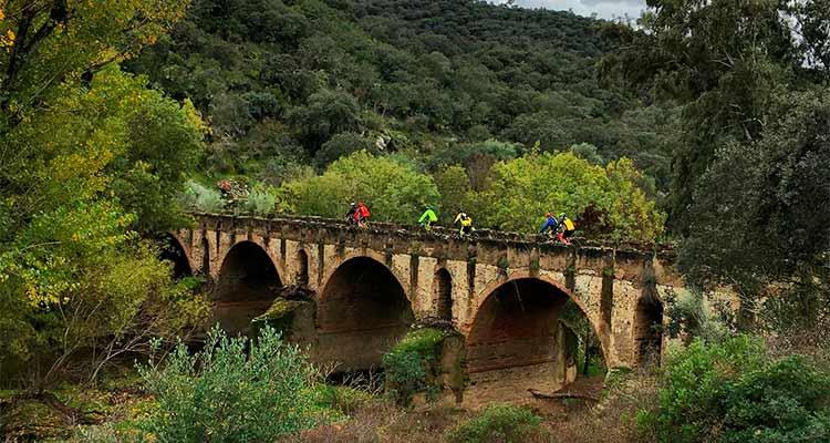 Sendero Encinasola Puente De Los Cabriles Turismo Sierra De Aracena Experiencias Para Vivir Y Saborear