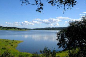 Pantano Aracena senderismo por la Sierra de Aracena